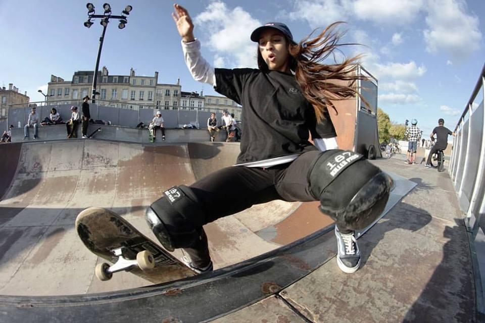 Une championne au skate park des Chartrons